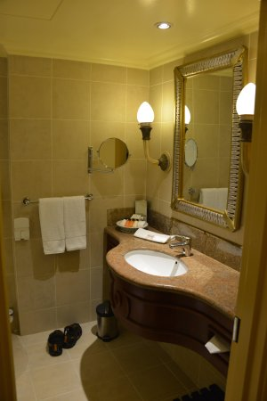 Peermont D'oreale Grande at Emperors Palace: bathroom pic