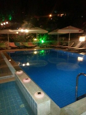 Papermoon Hotel & Apartments: the pool by night