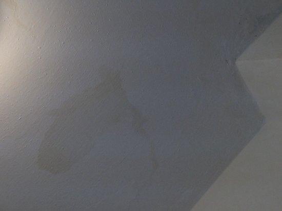 Muffa sui muri foto di hotel brenta viserbella - Muffa sui muri esterni ...