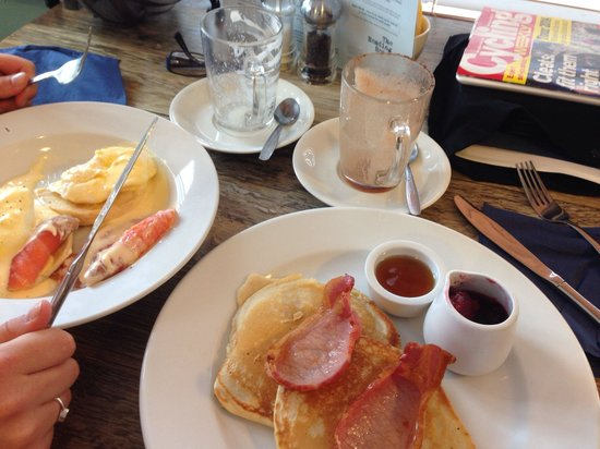 The Reading Rooms : Eggs Royale & buttermilk pancakes with bacon. Scrummy!!