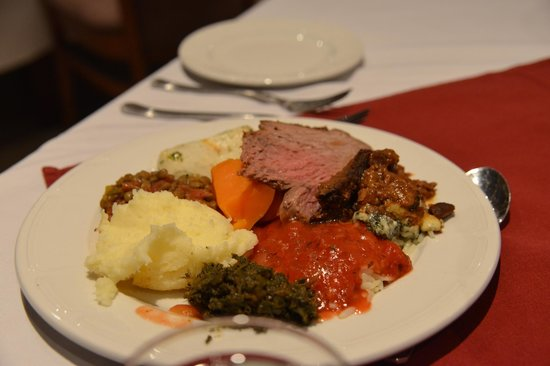 Cresta Mowana Safari Resort and Spa : Buffet style dinner offering different game meats