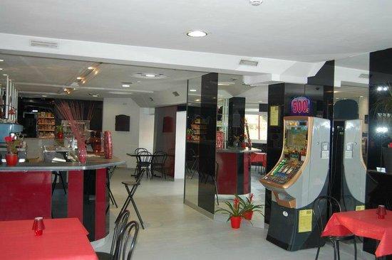 Hotel HP Castelldefels: Bar Hotel HP
