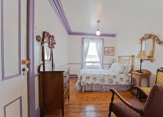 Auberge des Iles du Bic: chambre lilas