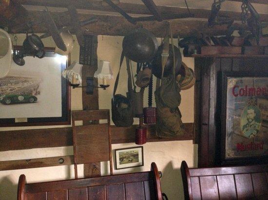 Half Moon Pub: Off Lounge area