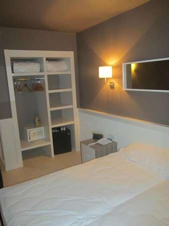 Hotel Paral - lel: la stanza