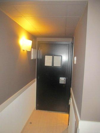Hotel Paral - lel: l'ingresso