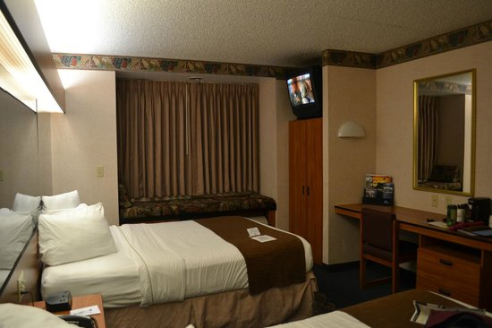 Best Western Plus Peak Vista Inn & Suites : Room with 2 Queen beds