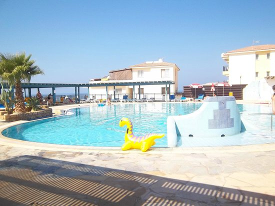 Paradise Kings Club: main pool