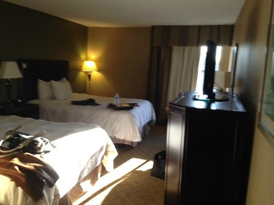 Hampton Inn Port Huron: queen beds