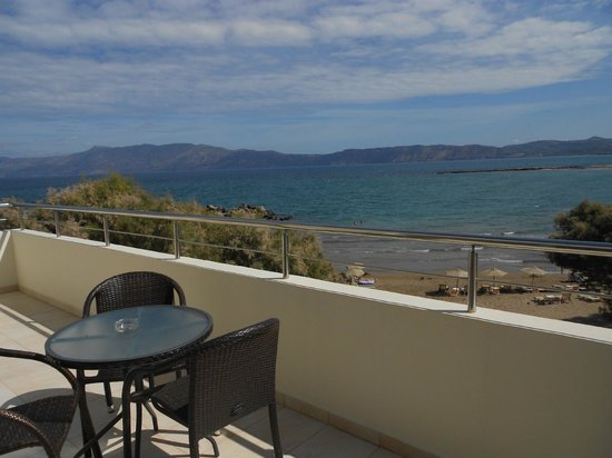 Molos Bay Hotel: Terrazzo