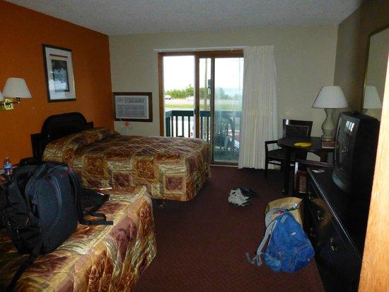 Econo Lodge Lakeside : Zimmer mit Balkon