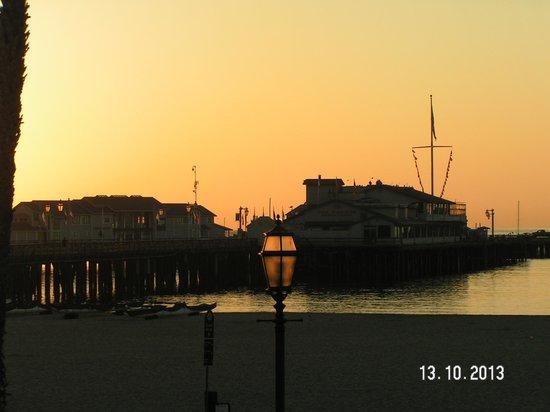 Harbor View Inn: Sunset from the room