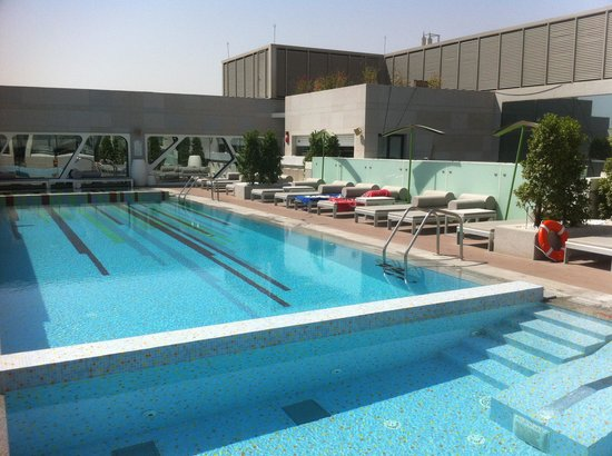 Amari Doha Qatar: Piscina