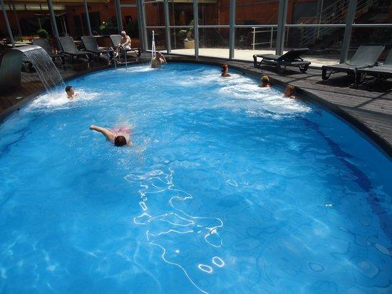 Rosamar & Spa : la piscine intérieure chauffée