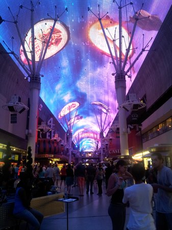 Hilton Grand Vacations at the Flamingo: Freemont Street
