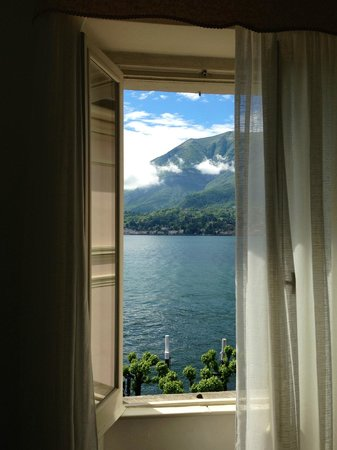 Hotel Du Lac: Must reserve a lake view room for the experience. Beautiful.