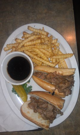 Juicy's Famous River Cafe: Husband was very happy w/ French dip