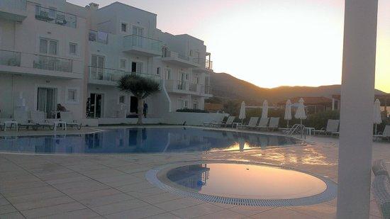 Akrogiali Beach Hotel: Akrogiali at dawn