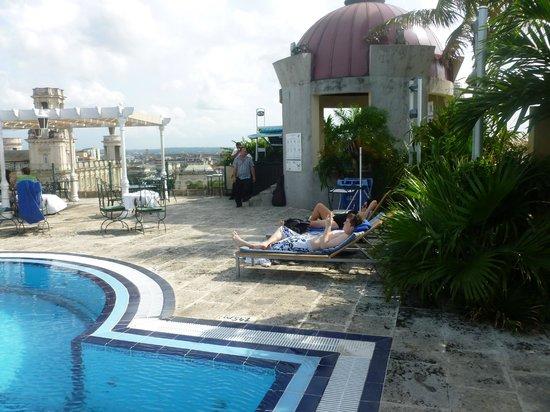 Hotel Inglaterra: Pool again
