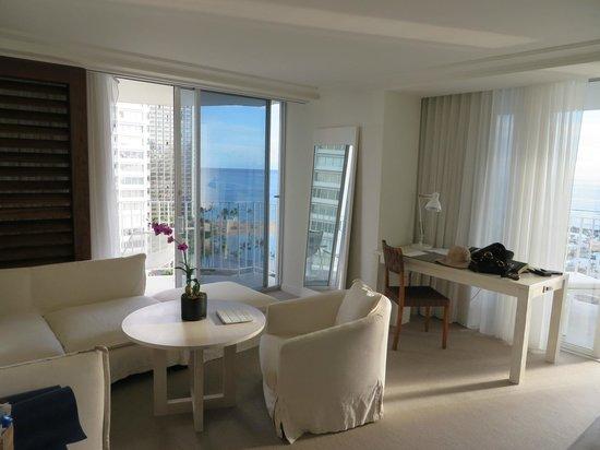 The Modern Honolulu: room view