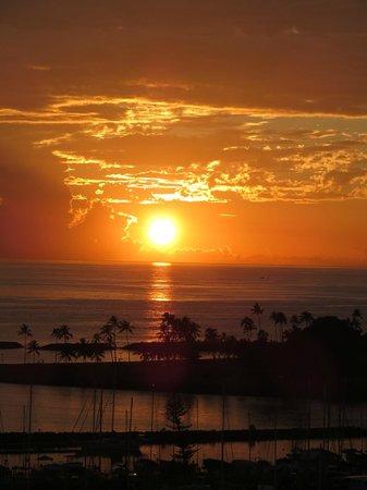 The Modern Honolulu: sunset