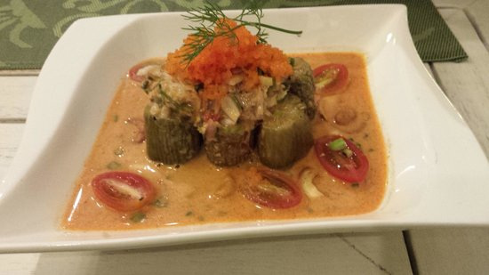 Suay Restaurant: 茄子のサラダココナッツ味