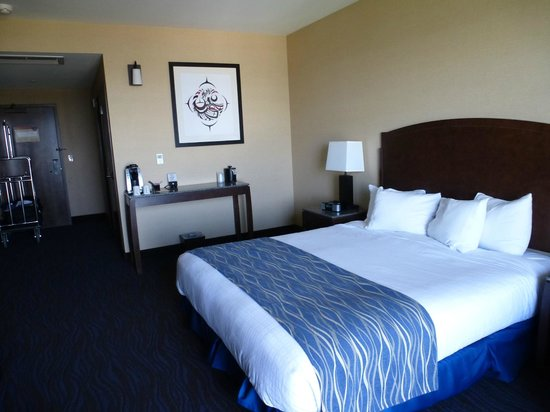 Swinomish Casino & Lodge: Deluxe King