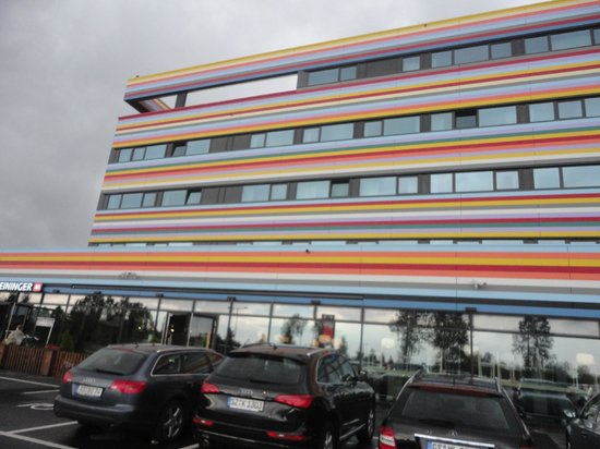 MEININGER Hotel Berlin Airport : part of the hotel