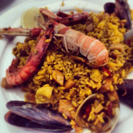 La Llonja: The best paella ever!!