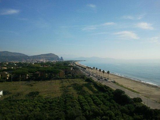 Hotel Torre del Sole: Panorama dalla nostra camera all'ottavo piano