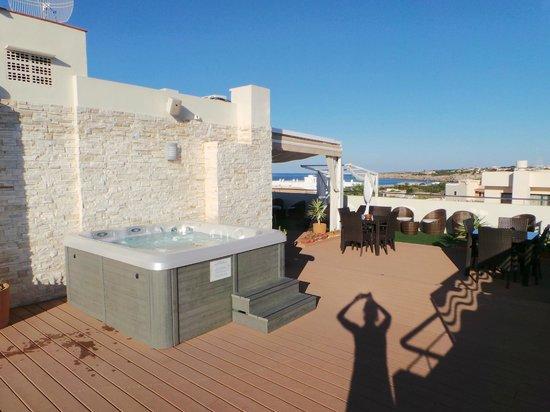 Sa Volta Hotel: Terrazza con Jacuzzi
