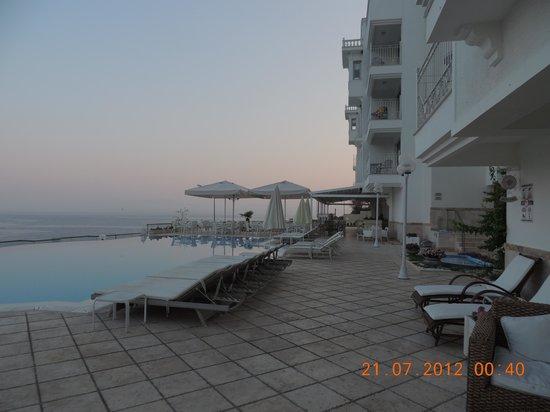 Lavista Boutique Hotel: área da piscina