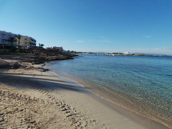 Sa Volta Hotel: Spiaggia di Es Pujols
