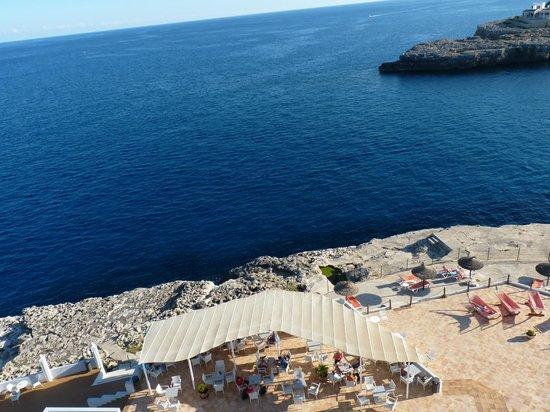 Hotel JS Cape Colom: Blick von der Dachterrasse nach unten