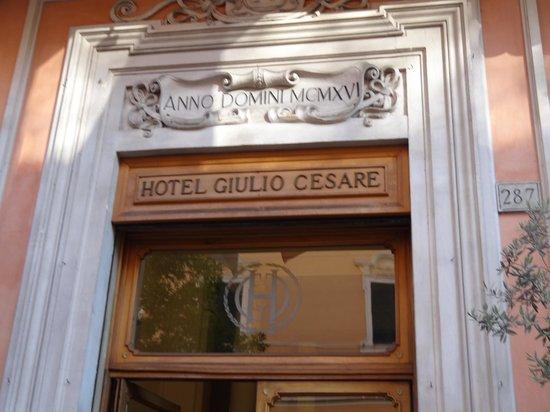 Hotel Giulio Cesare: Front - name