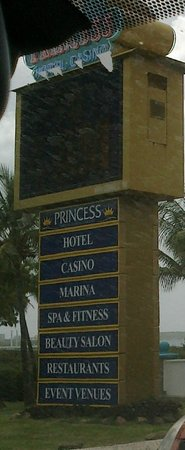 Princess Port de Plaisance Resort and Casino: entree de l'hotel