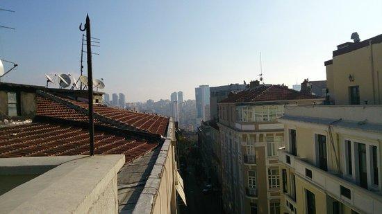 Atik Palas Hotel: вид с террасы (на завтраке)