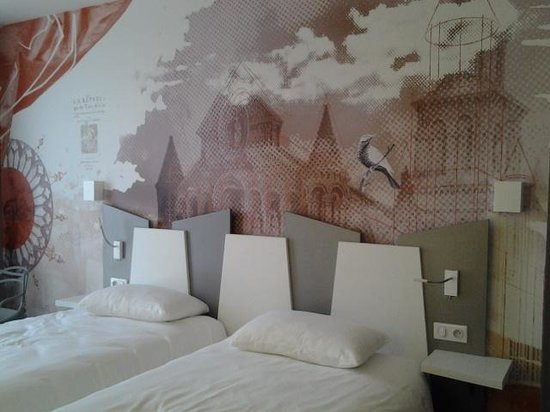 Ibis Styles Poitiers Centre : bedroom