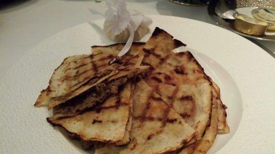 Li Beirut: Mince flat bread...