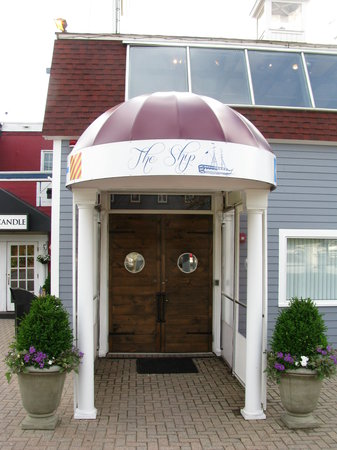 The Ship Restaurant: The Ship Entrance
