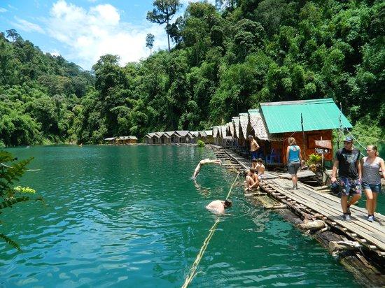 Surat Thani, Tailândia: Озеро Чео Лан