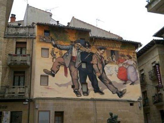 Hotel Ciudad de Haro: Wallpainting of the annual winefest