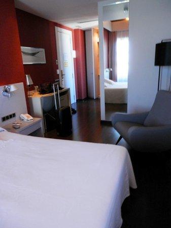 Hotel El Raset : La habitación