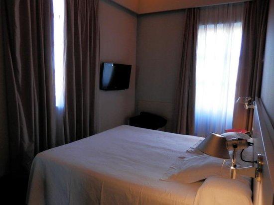 Hotel El Raset: La habitación