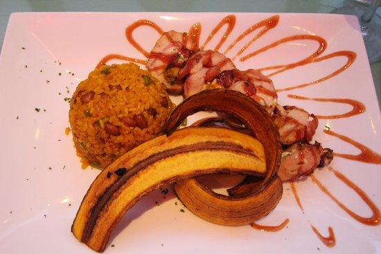 Rosalia International Cuisine & Tapas : Stuff Chicken Breast