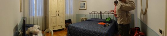 Ca' San Rocco: Pan picture of the room layout