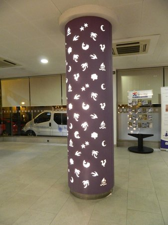 TRYP Valencia Feria: lobby