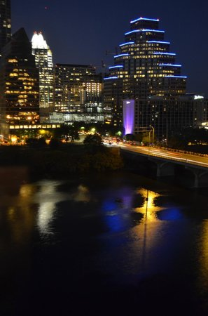 Hyatt Regency Austin: night time view of downtown & the Congress Bridge