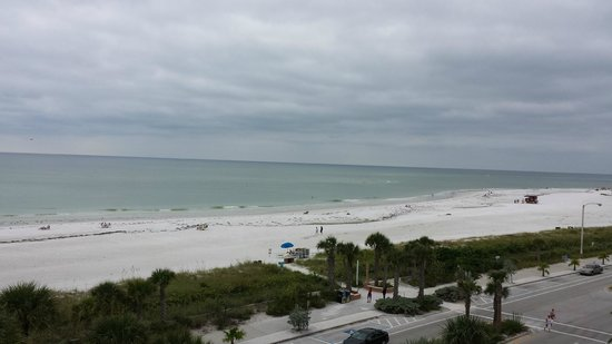 Holiday Inn Sarasota - Lido Beach: View from out balcony-great sunsets