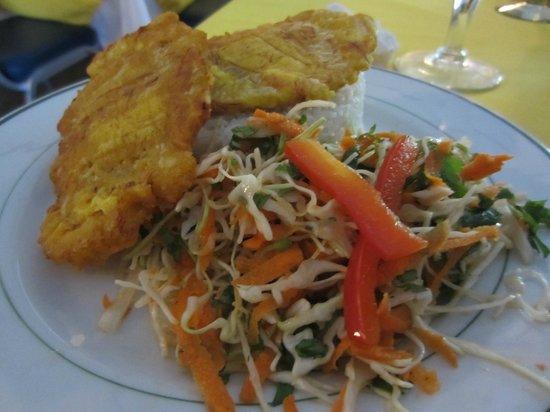 Aromas Del Sur: Rice, plantains and a delicious cabbage salad.